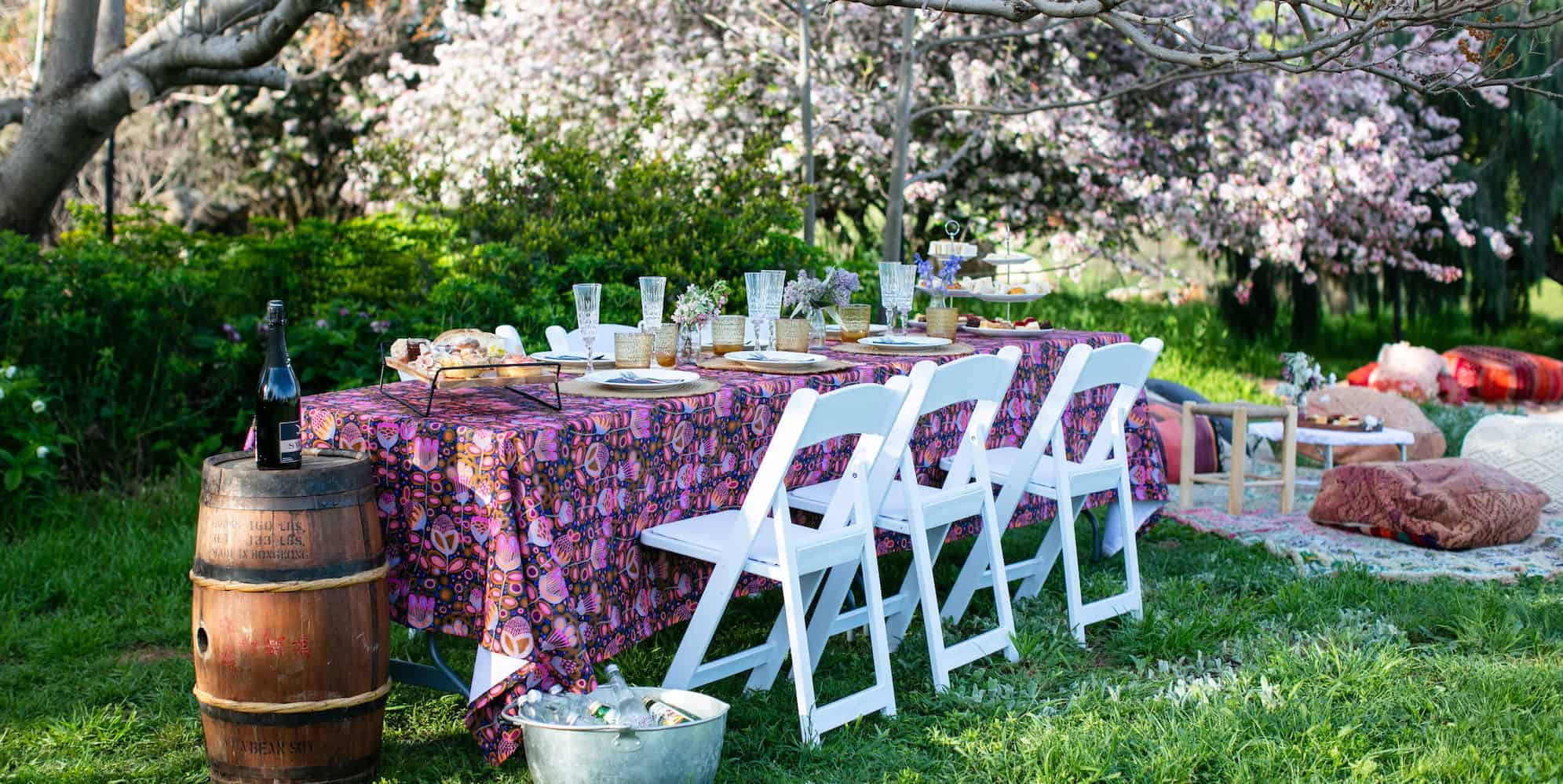 Luxury picnic table setting